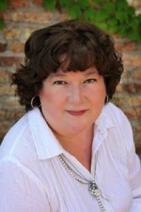 Polly Schluter